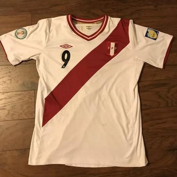 Umbro PERU Jersey Paolo Guerrero ! Size Large. M 5aea7227d39ca254b41856d1 1e0df2852